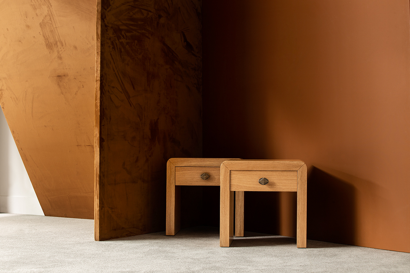 side_table_silas_orick_side_hamiltonconte_galeria2.jpg